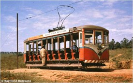 Um típico bonde de 9 bancos no final da linha Boa Esperança em Campinas (um remanescente da linha interurbana de Cabras, encurtado em 1960). Esta fotografia foi tirada em 1963.