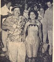 Alegria presente com o casal Otávio Jacintho e senhora, campeõs do carnaval