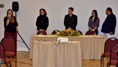 A mesa composta para o lançamento