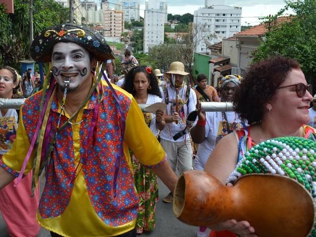 Engenho Central e Largo dos Pescadores recebem carnaval popular