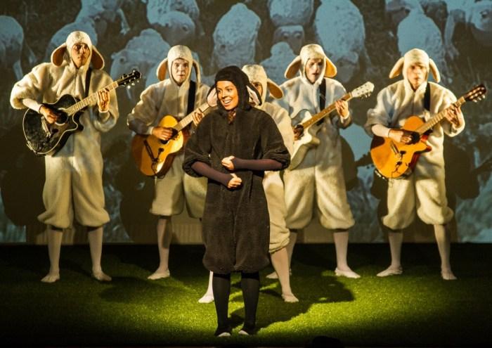 03.2019 – Teatro – Nerina, a Ovelha Negra – Caca Diniz – 3