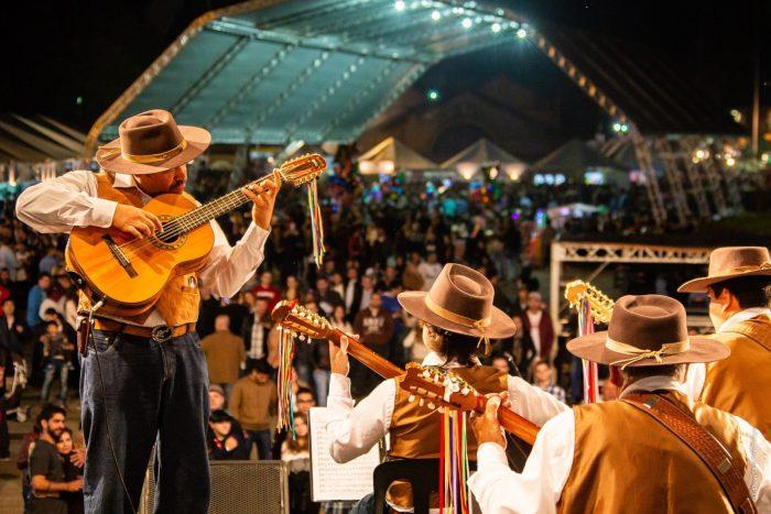 Orquestra Paulistana de Viola Caipira – FotoPerigo