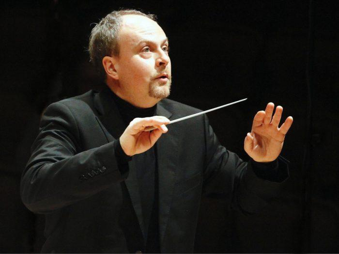 Maestro alemão Harmut Rohde.