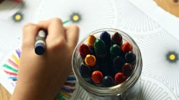 Benefícios do desenhar e colorir para as crianças