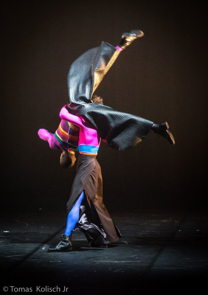 Cisne Negro Cia. de Dança. (foto: Tomas Kolisch)