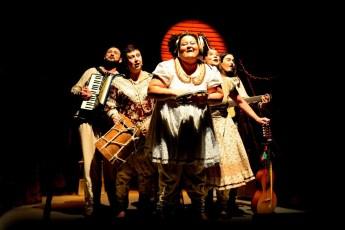 """Espetáculo """"Oi Lá Inezita"""". (foto: Jorge Etecheber)"""