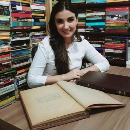 A autora, Fabiana Junqueira.