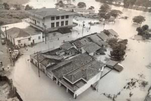 Enchente, sempre