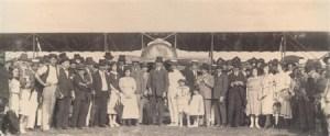 1922,recepcionando o primeiro avião