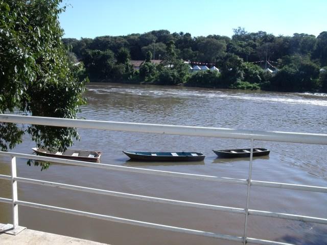 Nas águas do rio...