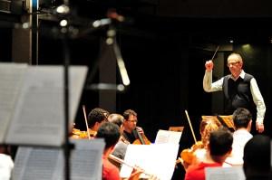 O maestro Jamil Maluf irá reger o concerto de encerramento do Feimep - Foto Isabela Borghese