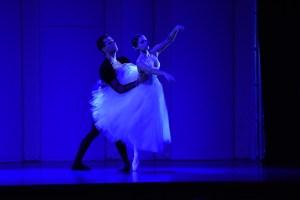 STUDIO 415 solistas Rafael Gerage e Isabella Freguglia em Giselle 2 credito  Renato Hatsushi