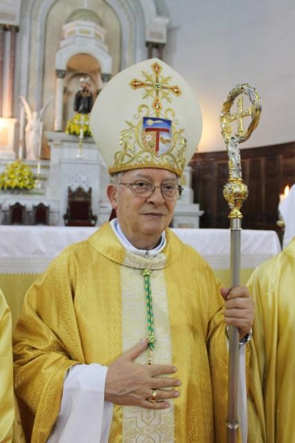 Dom Fernando em celebração de ordenação presbiteral 07.06.2015 - Foto Rosiley Lourenço