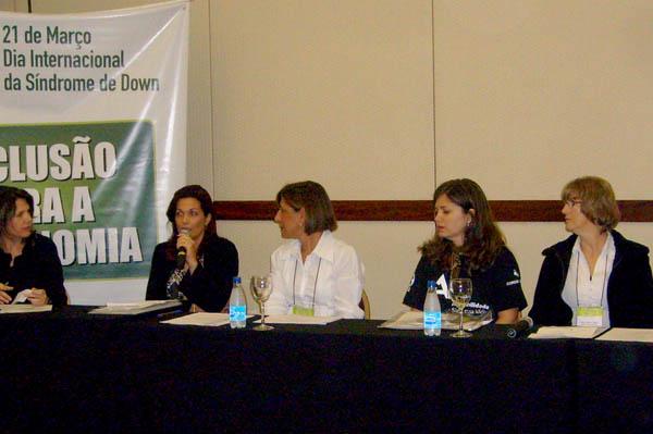 Elena Veronesi (Aps-Down) - Mesa com as Associações: Experiência em Educação Inclusiva