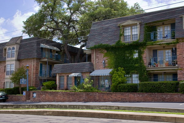 French Place Apartments Ratings Reviews Map Rents And
