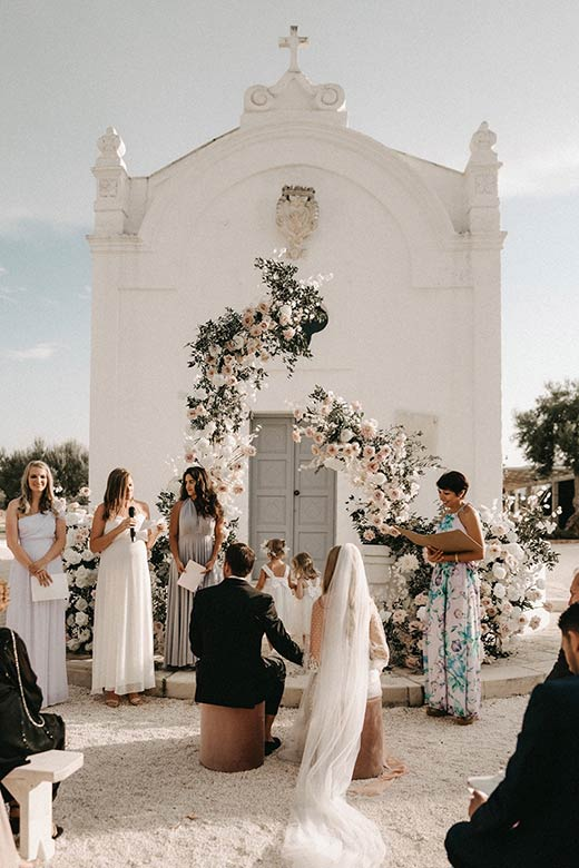 Wedding celebrant Masseria San Giovanni Apulia