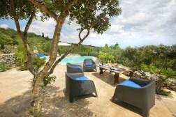 Sonnenterrasse mit Pool - Ferienhaus Trullo Mirto