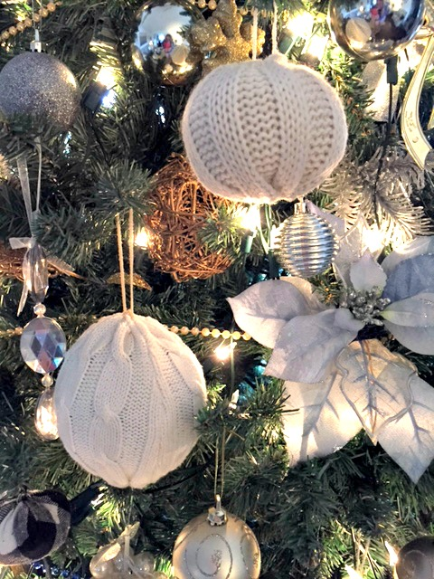 sweater ornaments for christmas tree
