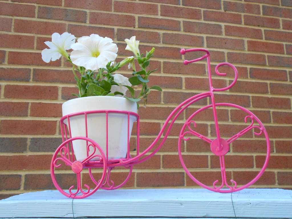DIY Ladder Garden Michaels bicycle How to Transform an old ladder into stylish garden decor