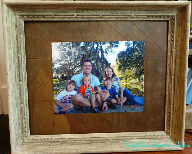 family-portrait-on-foe-chevron-print-wood-april-30dayflip-crafts-decoupage-diy (1)