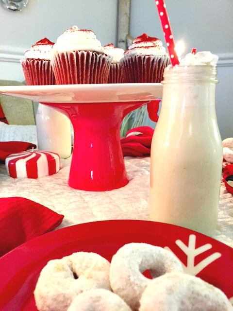 ChristmasTable Setting inspired by Frosty the Snowman. This fun red and white table is perfect for a kids table at Christmas or a cute afternoon tea party. See all the details at apurdylittlehouse.com