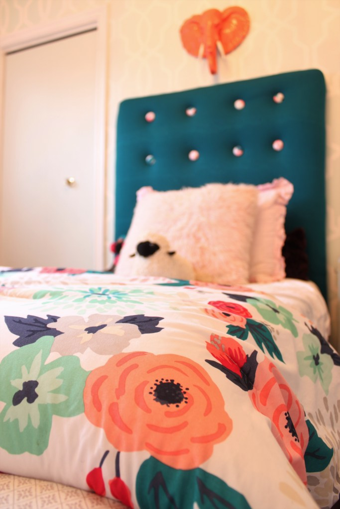 Girls Bedroom Makeover using preppy and modern colours and textures at apurdylittlehouse.com