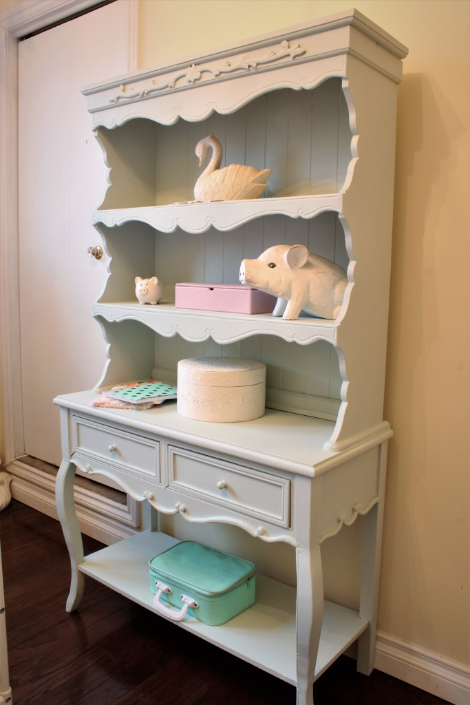 Girl's Room Hutch Makeover using a soft mint colour at apurdylittlehouse.com