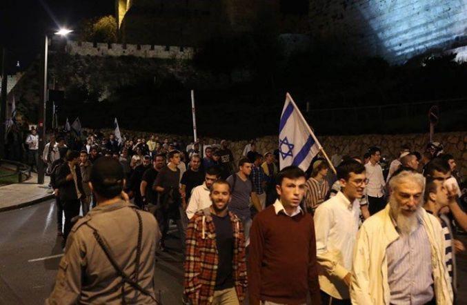 عصابات المستوطنين تستبيح القدس القديمة وجنوب الأقصى بمسيرات ليلية
