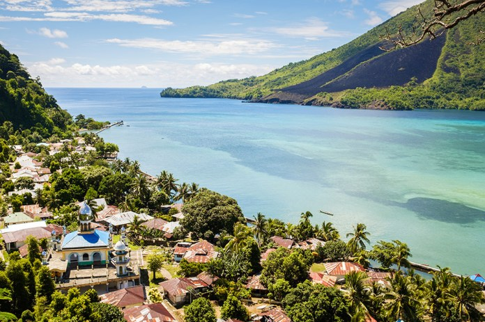 Banda Neira The Indonesian Island Of Spice And Fire Aqua Expeditions