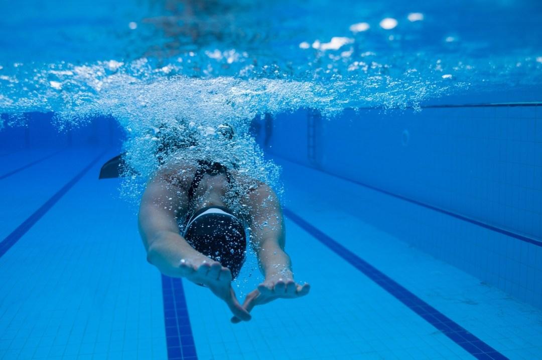 Nages avec palmes