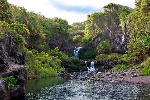 Maui-7-sacred-pools-waterfalls