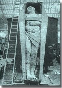 giant mummy8