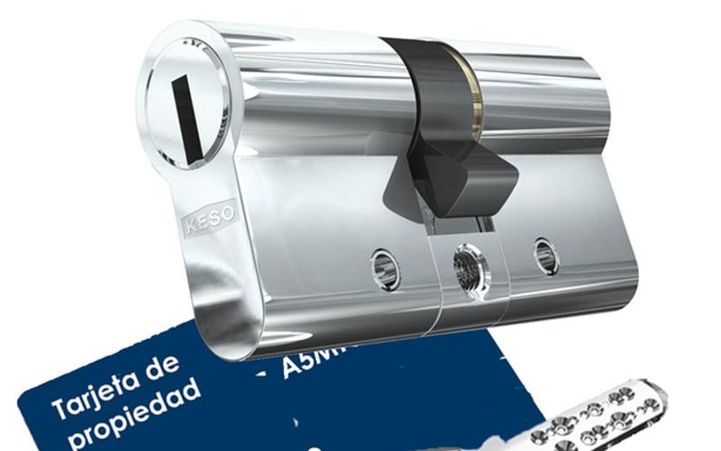 Cambiar bomb n de la puerta blindada cerrajeros valencia for Como cambiar las puertas de casa