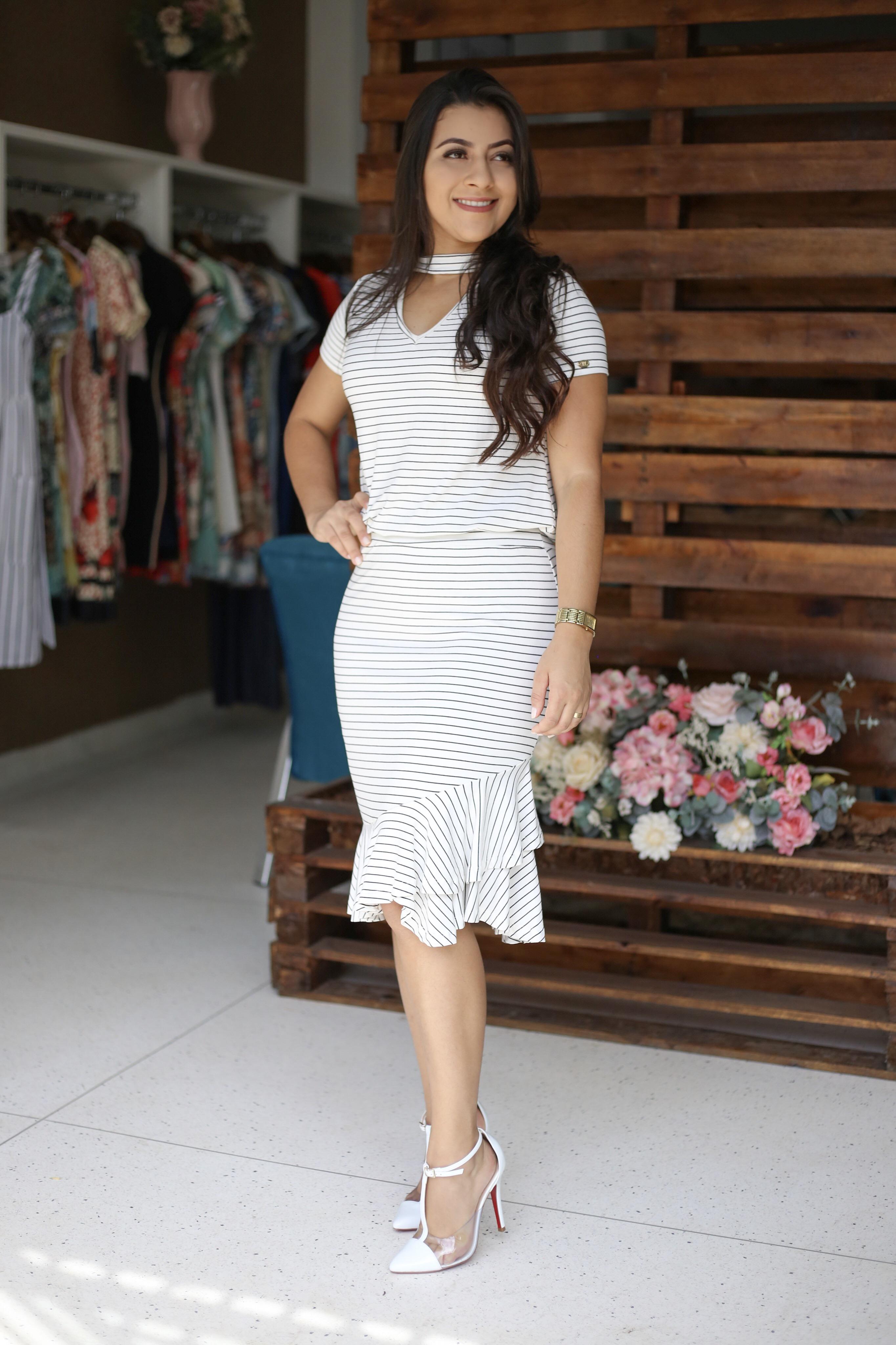 c0ec86e79ab2 Vestido Listrado Lívia em Áquila Tauheny Store | Moda Evangélica