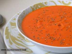 Prato com Sopa funcional de abóbora com chia