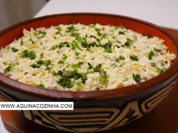 Essa receita de Feijão Verde com Queijo Coalho é facílima de fazer e muito gostosa. Uma verdadeira receita sertaneja. #aprendercozinhar