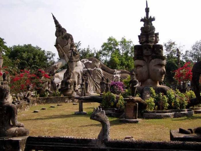 Buddha Park فى فيينتيان لاوس