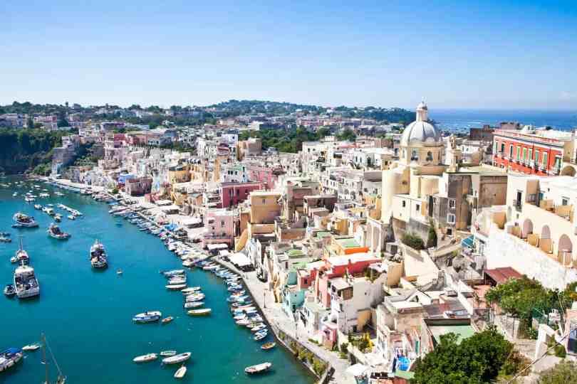 أشهر الجزر الإيطالية