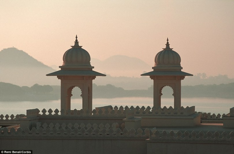 2A61654500000578-3155138-There_is_an_18th_century_former_palace_on_site_Bada_Mahal_which_-a-53_1436460579172