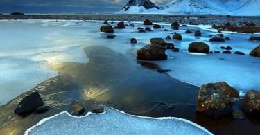 البحيرة الزرقاء فى أيسلندا