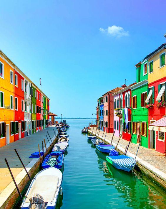 جزيرة بورانو فى إيطاليا