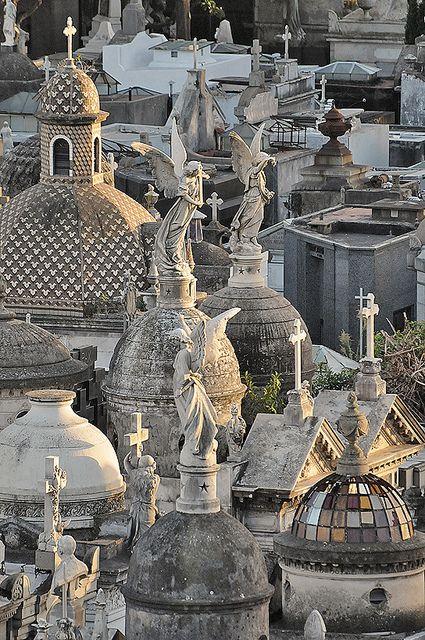 مقبرة لا ريكوليتا