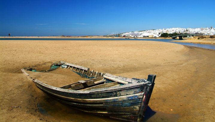 شاطىء كونيل دي لا فرونتيرا