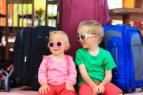 السن المناسب لسفر الأطفال