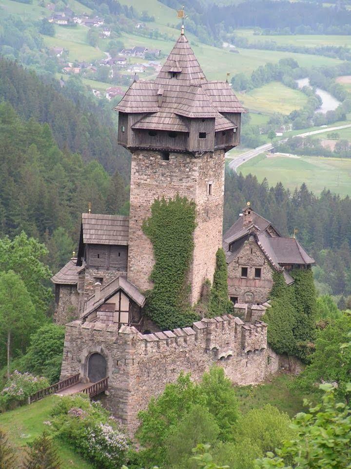 القلعة الصخرية