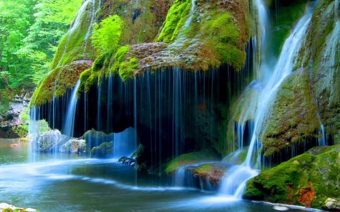 شلالات بيجار في رومانيا