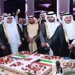 دبي تحتفل و برج خليفة يتزين بمناسبة العيد الوطني للكويت