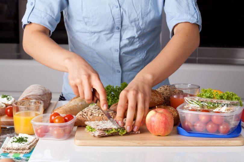 طبخ وجبات الطعام بكميات كبيرة