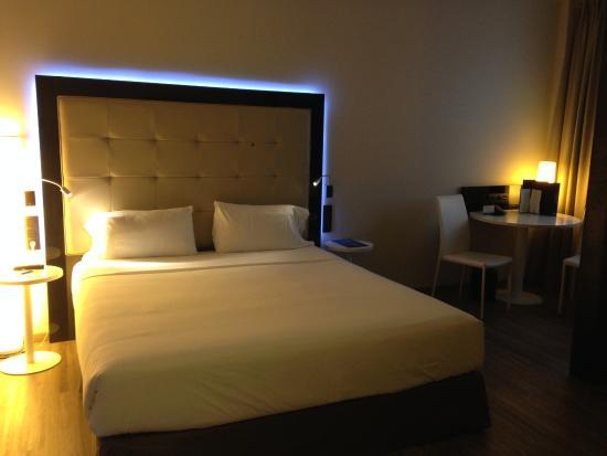 فندق NH Collection Madrid Suecia