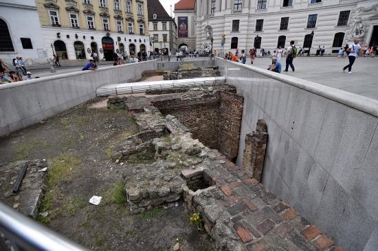 الجدار الرومانى